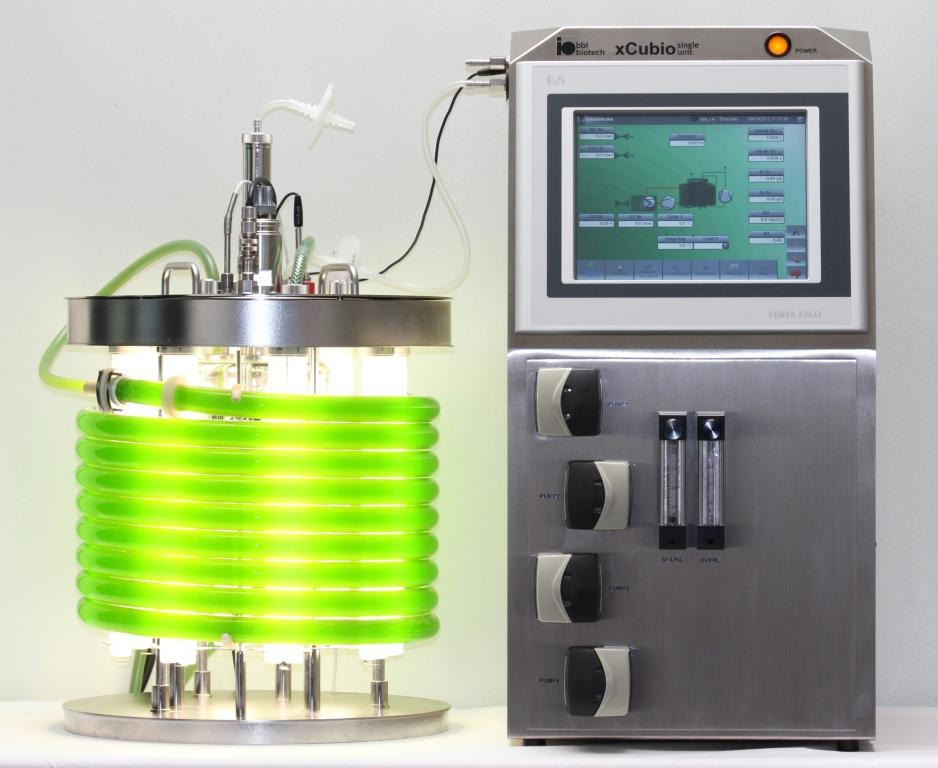 Photobioreaktor xCUBIO phar for micro algae