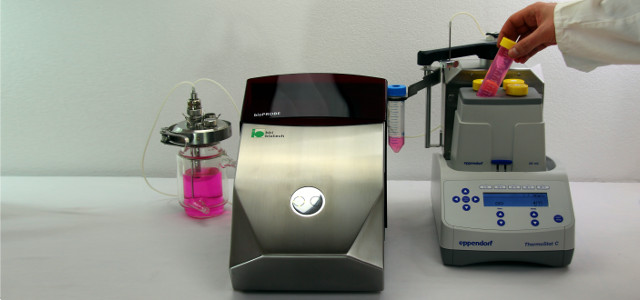 Sample Handling with coolSAM after automatic sterile sampling with bioPROBE
